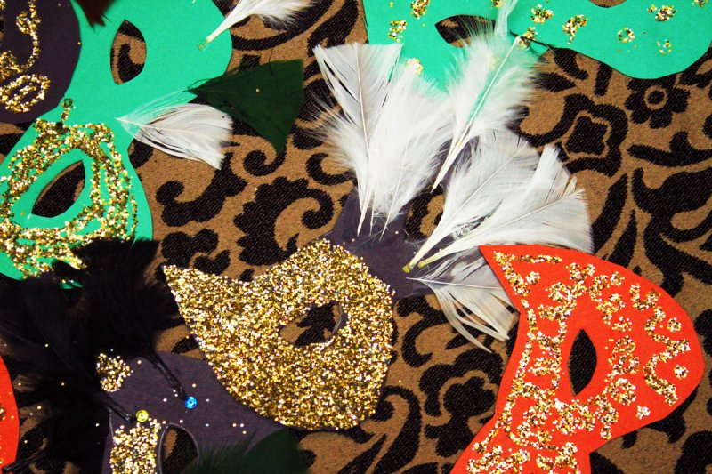 These masks make me wanna be a showgirl...